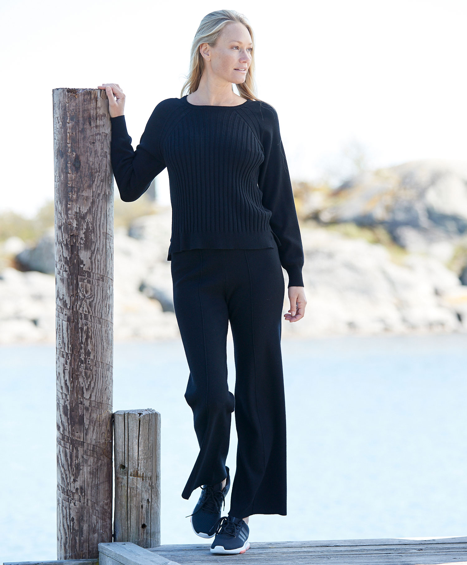 Soaked Editha Pullover