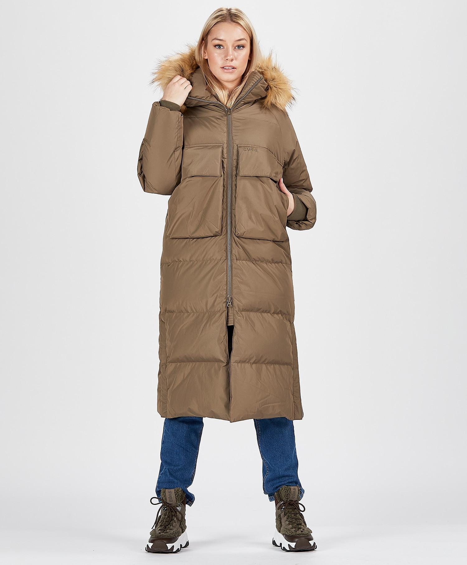 Svea W. Loose Fur Hood